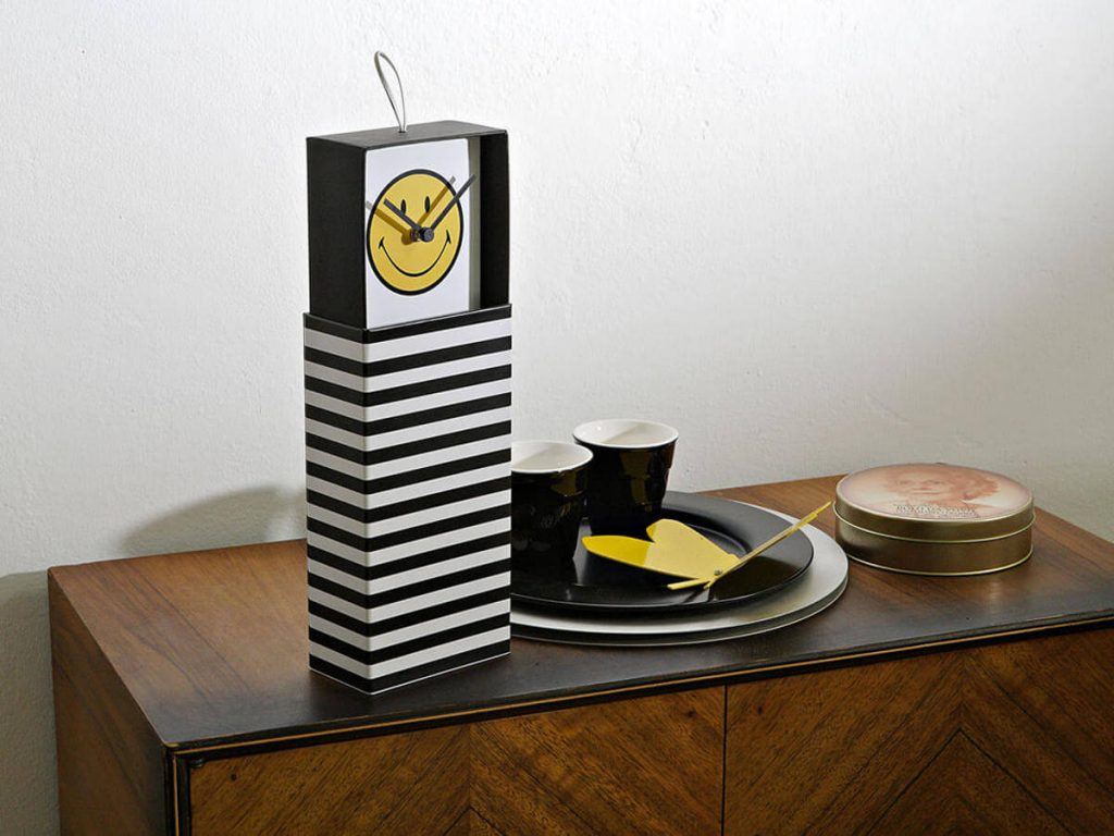 Clock in a box - 07 - Smiley