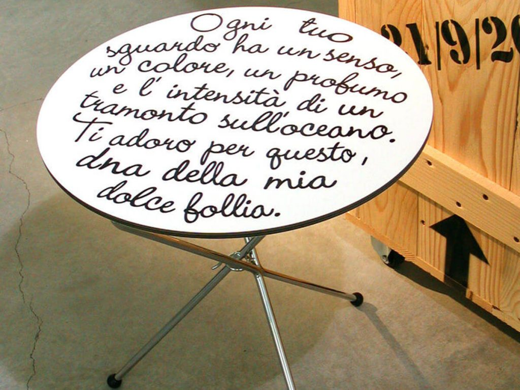 Rududù Poem low table by Creativando